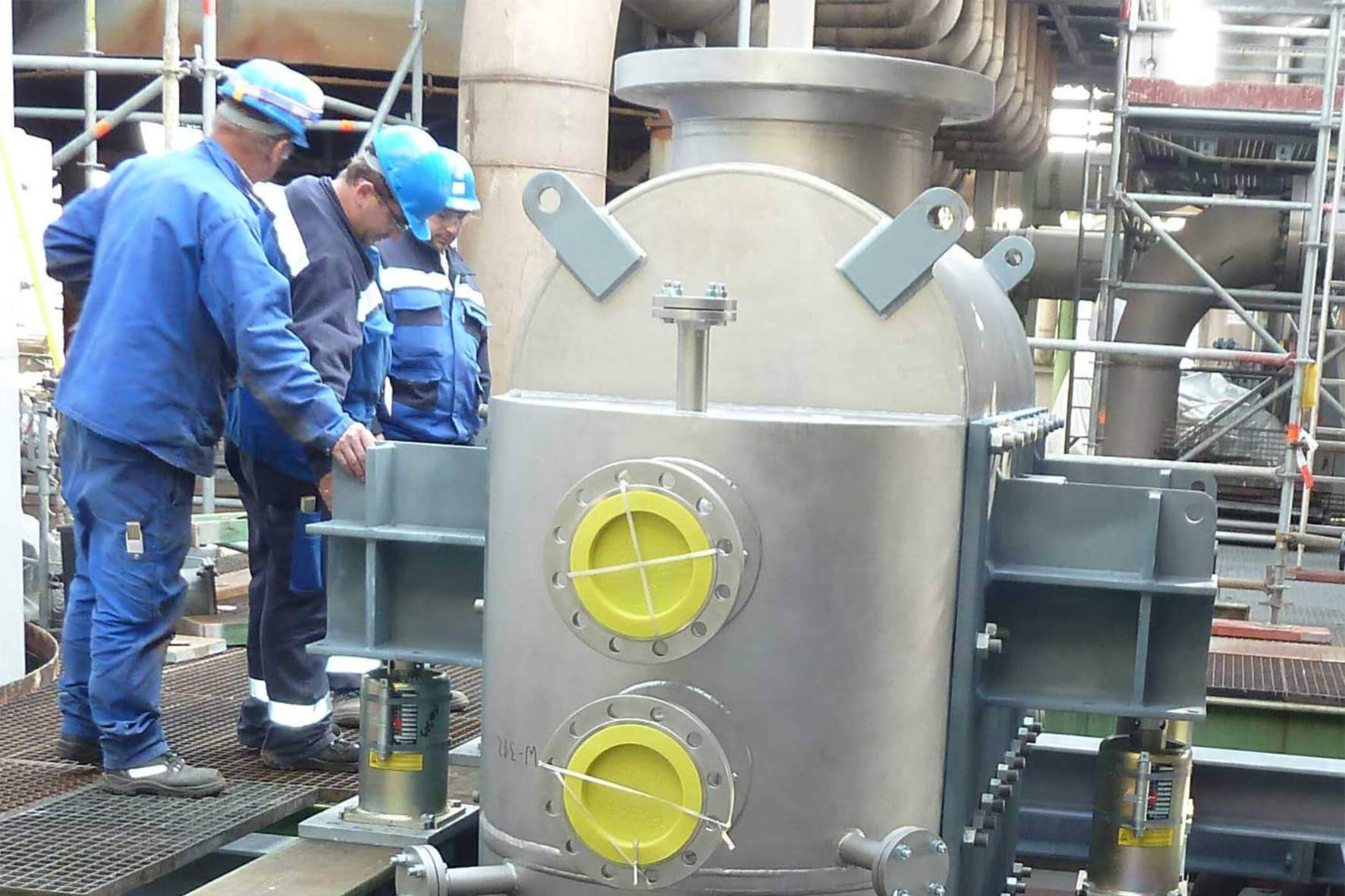 Hybrid Heat Exchanger in chemistry factory